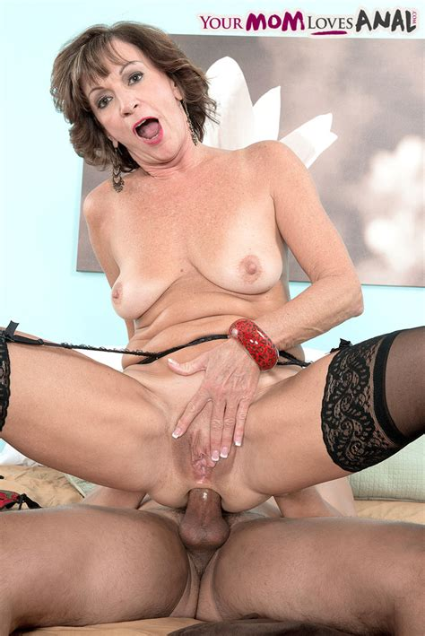 hot Older Lady Sydni Lane Lets The Neighbor S Boy Fuck Her In Her Tight Ass
