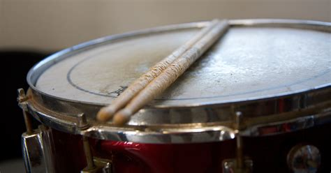 tutorial snare drum how to prevent drum tuning drift and lug rattle pro