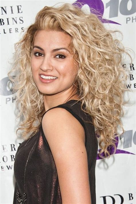 actress short on top long on bottom hairstyle 25 best ideas about blonde curly hair on pinterest
