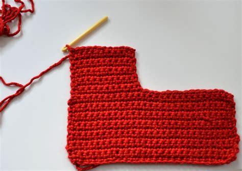 beginner crochet pattern for christmas stocking 40 all free crochet christmas stocking patterns patterns hub