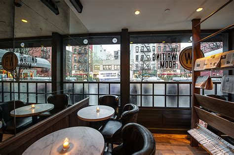 the writers room nyc a rebirth for the legendary elaine s in new york buro 24 7