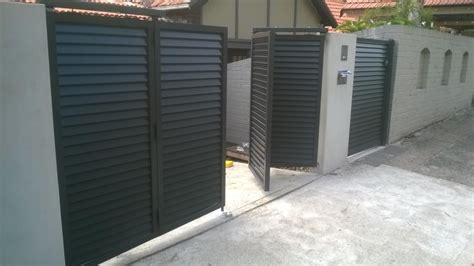 Home Automation House Design Pictures by Trackless Automatic Bi Fold Gates For Your Home Talbot