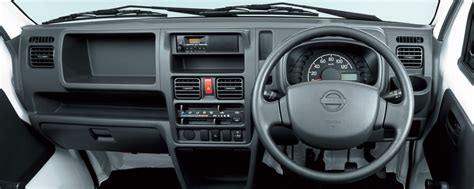 nissan clipper interior nissan clipper truck cockpit picture driver view