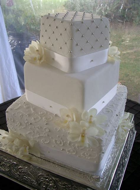 Square Wedding Cake Designs by Best 25 Square Wedding Cakes Ideas On Silver