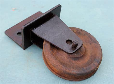 kleine schreibtische aus holz historische kleinteile kleine seilrolle aus holz
