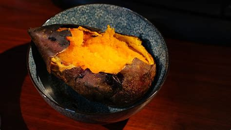 sweet potato wikipedia file roasted sweet potato jpg wikimedia commons