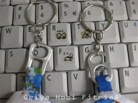 Gantungan Kunci Dari Belanda gantungan kunci dari kain bekas dan limbah kaleng bekas bli blogen