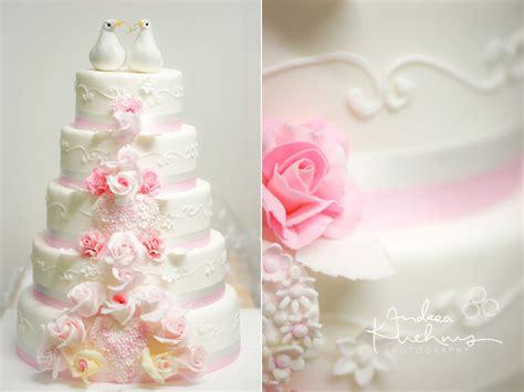 Hochzeitstorte Rosa by Hochzeitstorten Wedding Cakes 187 Andrea Kuhnis Photoplace