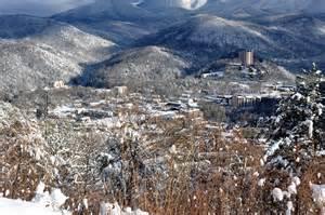 the 3 best winter vacation cabin rentals in gatlinburg
