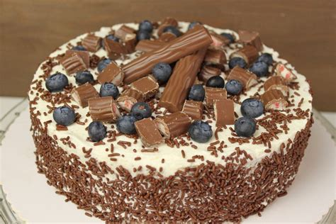 geburtstag kuchen backen yogurette torte selber backen frische torten rezepte