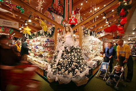 bronner s christmas store the world s largest christmas