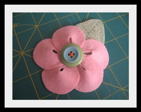 free patterns and instruction on making flower hair clips free felt patterns and tutorials free felt tutorial