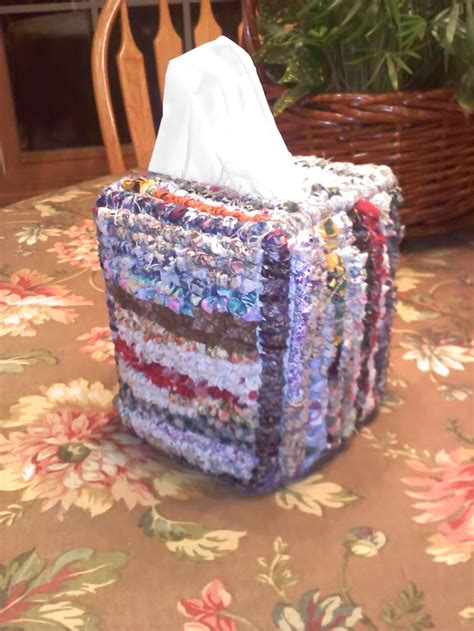 Rug Hooking With Fabric Strips by 1000 Ideas About Locker Hooking On Rug