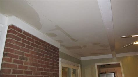 how to indetify and repair a water damaged ceiling 858