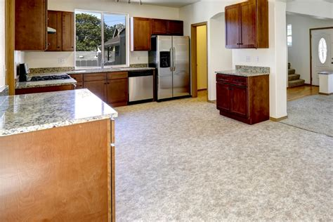 natural or artificial linoleum flooring vs vinyl flooring