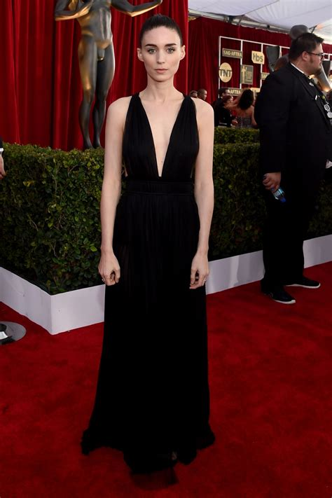 2016 screen actors guild awards red carpet a high fashion rooney mara screen actors guild awards 2016 at shrine