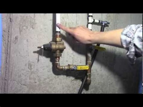 how to adjust measure home water pressure