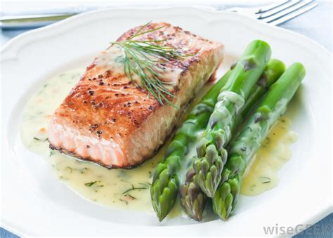 small dinner recipes what is the difference between pacific and atlantic salmon