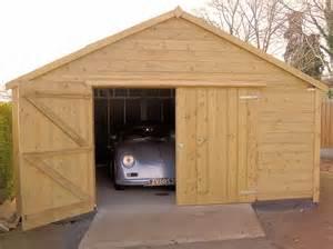 good Construire Sa Piscine En Bois #4: Construire-un-garage-en-bois.jpg