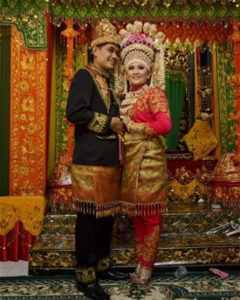 Baju Adat Aceh Laki Laki pakaian adat aceh nama gambar dan penjelasannya adat tradisional