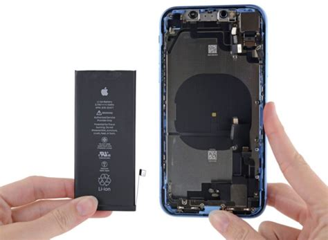 iphone xr features a battery cell bigger than the iphone xs reveals teardown