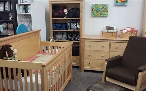 Hubbard Cribs by Hubbard S Cupboards Floor Model Clearance