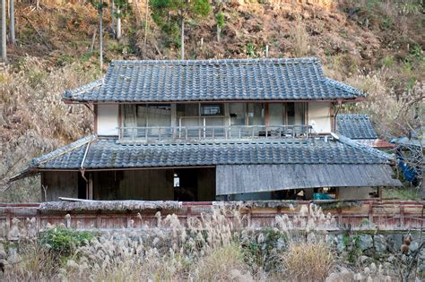 japanese homes for sale jeffrey friedl s blog 187 abandoned house returning to nature
