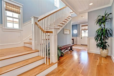Cape Cod Wainscoting by Pin By South Bay Digs On Dig This Cape Cod Style House