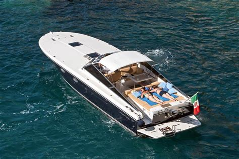boat trip to capri pegaso capri luxury boat trips and transfers to and from