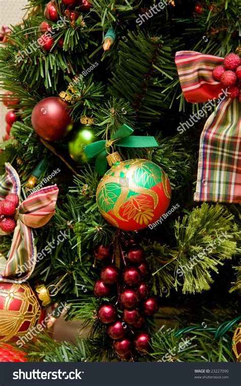 a nicely decorated christmas tree with nice decorations