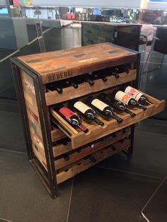 mobile per bottiglie di vino bottiglie di vino su bottiglie di vino