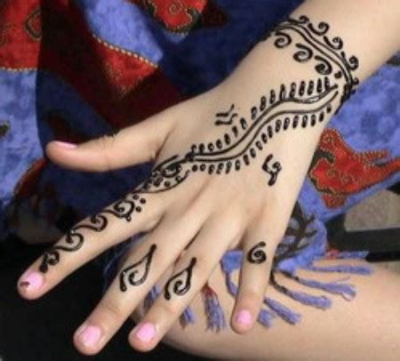contoh tato kartun salon henna tattoo bodypainting and facepainting glitter