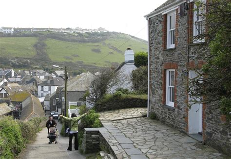 Extra Extra Doc Martin Is Back In Cornwall Gifts Of The House Port Isaac