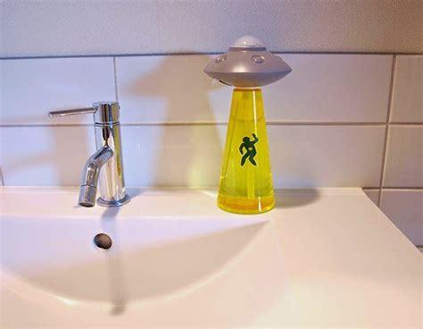 Dispenser Ufo abduction soap dispenser creepbay