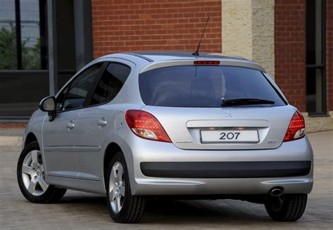 peugeot 207 year peugeot 207 hatchback 2009 2012 reviews technical data