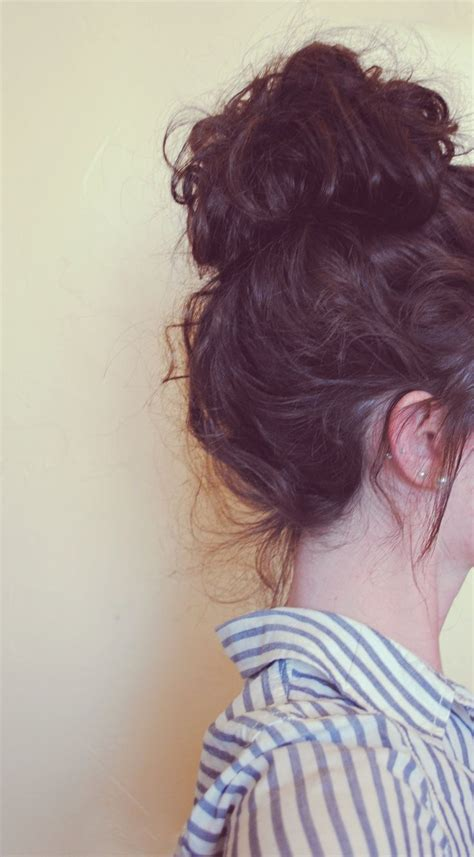 cute hairstyles messy buns best messy bun hairstyles our top 10 my hair curly