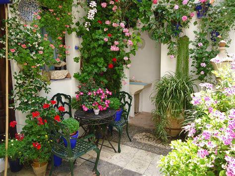 patio de cordoba gu 237 a de los patios de c 243 rdoba andaluc 237 a la cosmopolilla