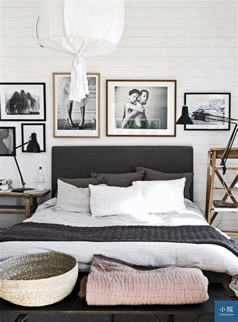 Black And White Paintings For Bedroom by 床頭設計 總論 Courcasa 小院