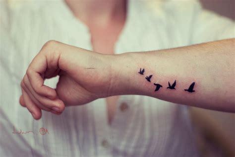 Bird Tattoos On Wrist Tattoo Ideas Pictures Tattoo Bird On Wrist
