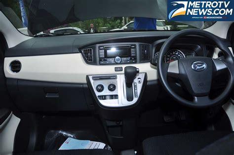 Tv Mobil Sigra mobil daihatsu sigra tak terkesan murahan