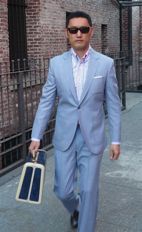 Summer Suit Cloth Opinions: Sharkskin vs Irish Linen   Ask Andy FORUMS