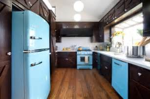 color kitchen appliances add style to your kitchen with retro appliances