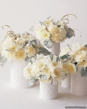 good style winter white centerpieces