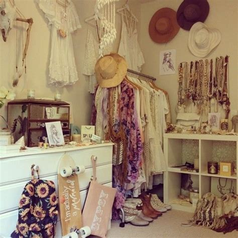 Closet Vintage by 20 Beautiful Vintage Closets You Ll Never Want To Leave