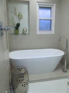 room with bathtub room e model homes