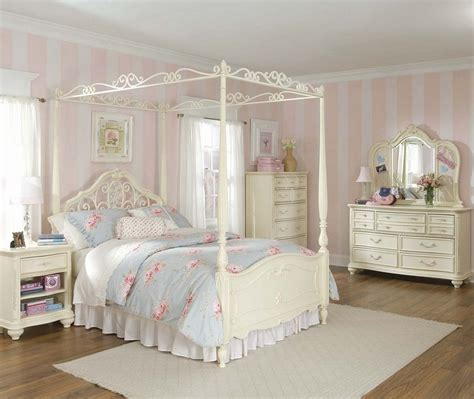 Diy Canopy Bed With Curtain Rods Planning A Shabby Chic Bedroom