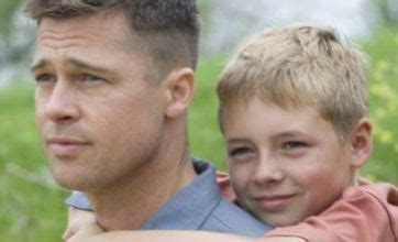 cheers biography documentary brad pitt s new film tree of life wins cheers and jeers at