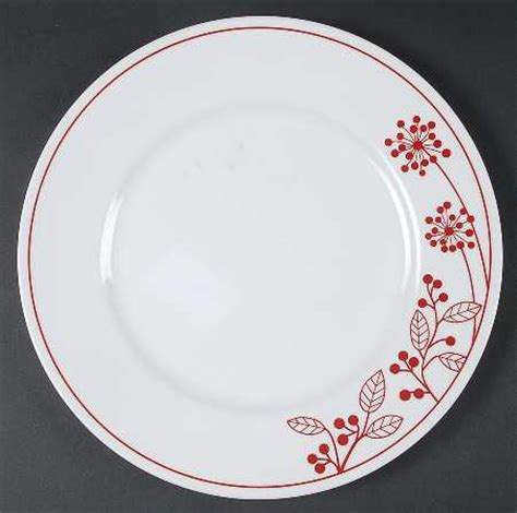 corelle leaf pattern corning berries and leaves corelle at replacements ltd