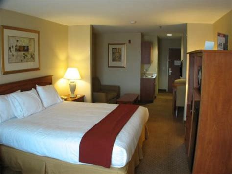 king suite smoking picture  holiday inn express hotel suites carson city tripadvisor