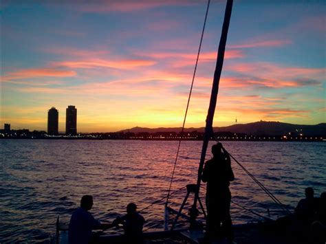 sunset boat sunset boat tour in barcelona seabookings